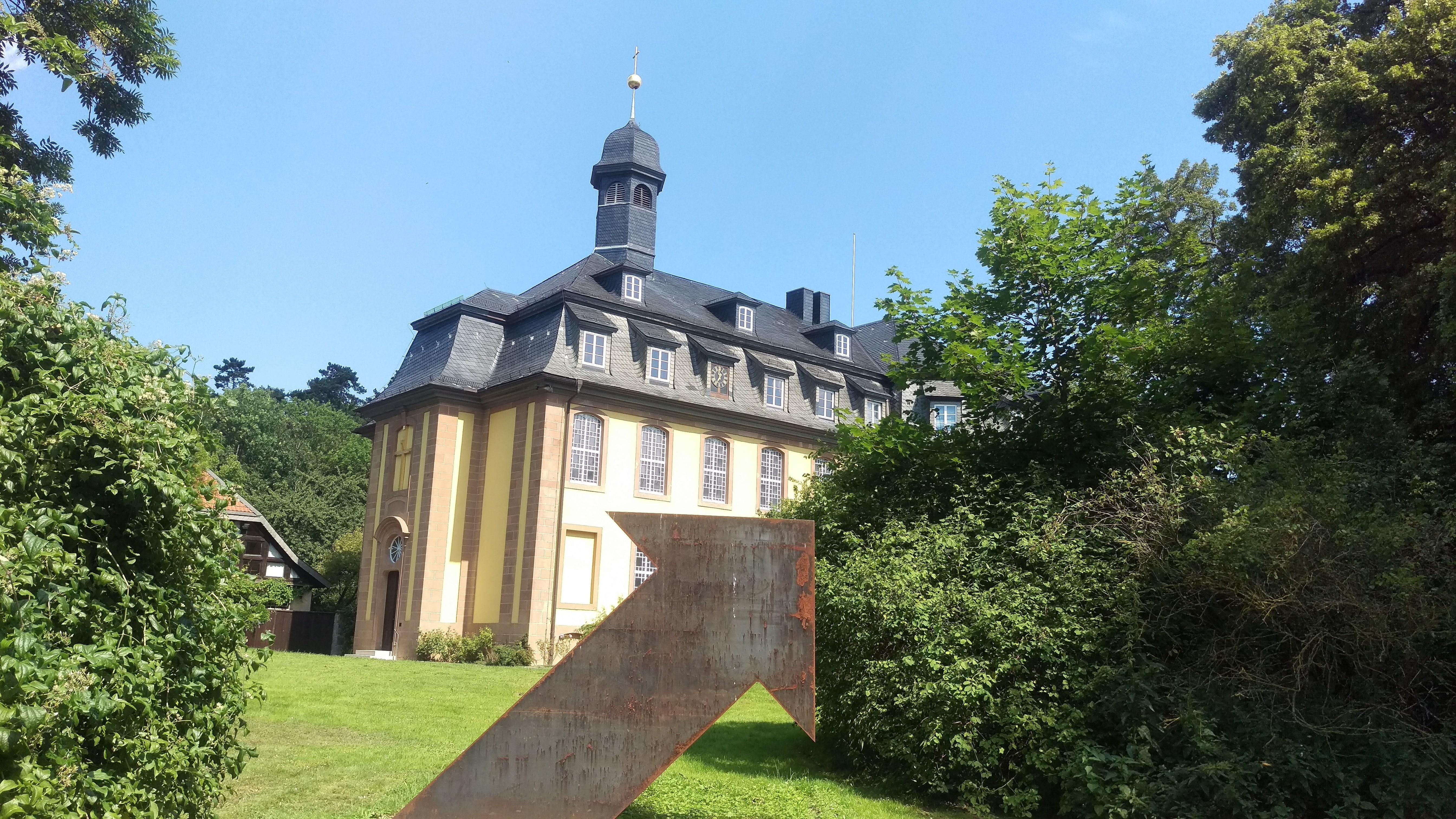 Die Liebenburg inkl Skulptur_lau