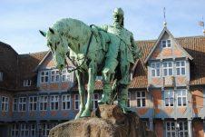 Jägerbomb! - der bekannten Kräutermischung aus Wolfenbüttel auf der Spur