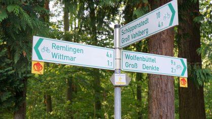 Wandern mit dem ILE-Freizeitspempel-Pass – durch die Asse zur Asseburg