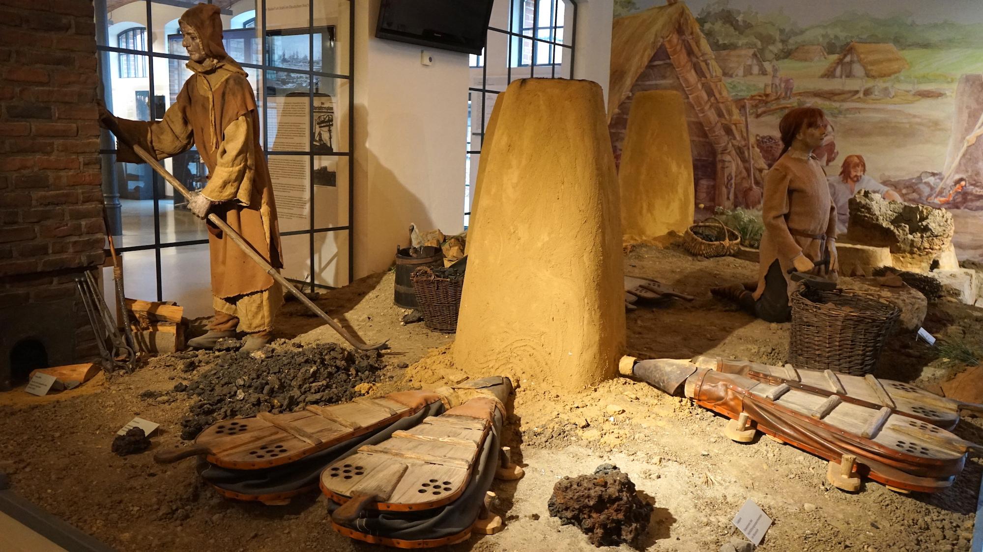 Nördliches Harzvorland, Städtisches Museum Schloss Salder Salzgitter, Germanen mit Rennofen. Foto: Beate Ziehres